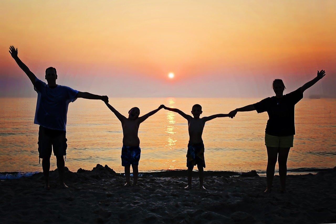 Familie, Urlaub, Kind, Sonnenuntergang, Meer, Strand