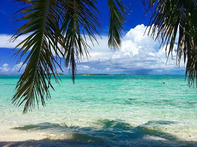 Glasklares Wasser auf den Bahamas