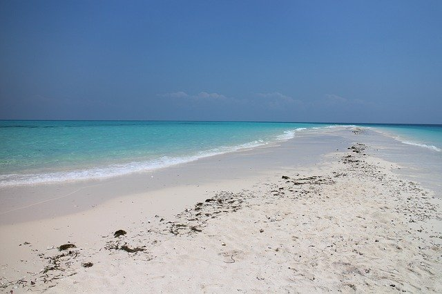 Sandstrand auf Sansibar