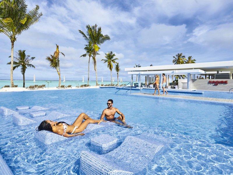 Pool Hotel RIU Atoll