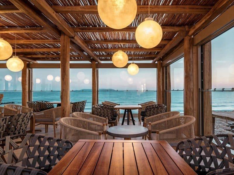 Hoteltipps Kreta Familienhotel Mitsis Rinela Beach Resort & Spa Restaurant mit Meerblick