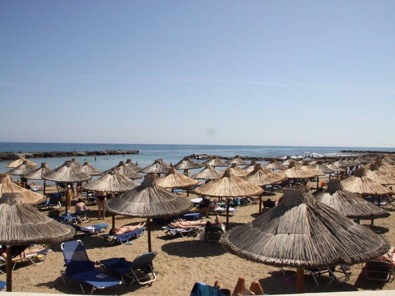 Hoteltipps Kreta Hotels mit Pool Stella Island Luxury Resort Strand mit Meerblick